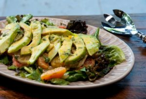 Avocado Citrus Salat an Honigdressing